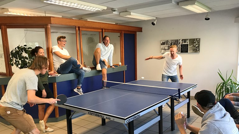 Bordtennisduell Inngang